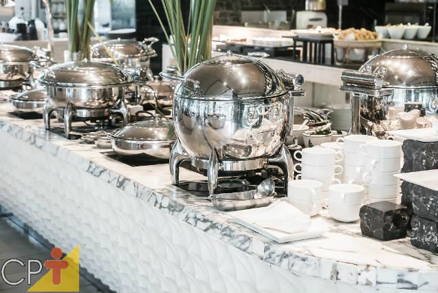 Dicas de equipamentos gastronômicos: buffet ou réchaud?