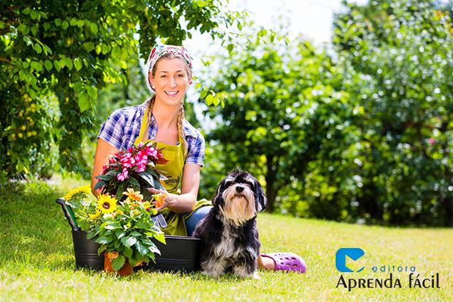 Jardineira e cachorro