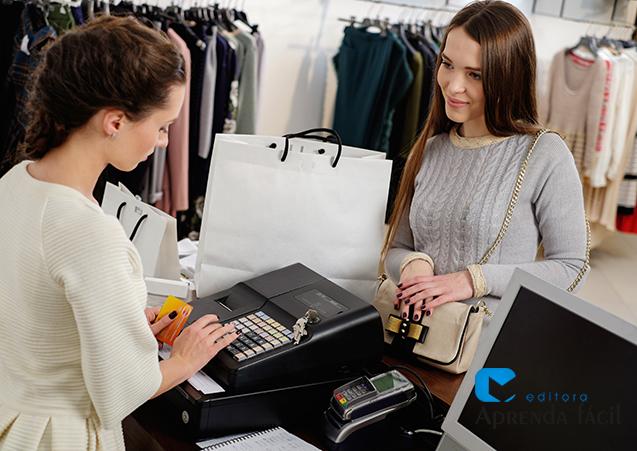 Consumidor loja de roupas