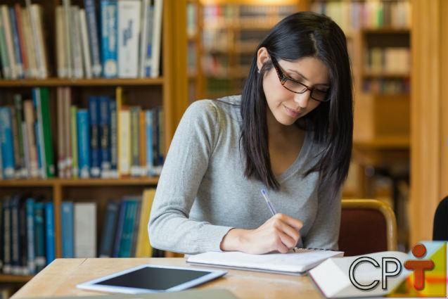Graduação, mestrado, doutorado. Por que estudar tanto?   Para Refletir - Cursos CPT