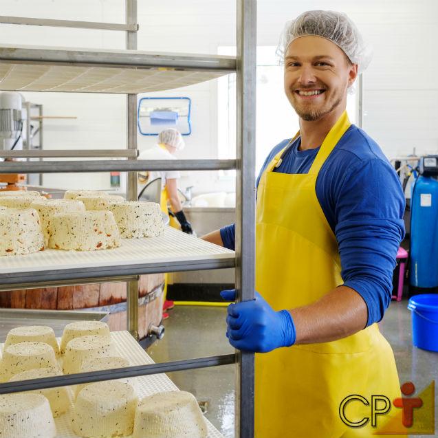 Barreira sanitária em fábricas de queijo: conheça sua importância   Dicas Cursos CPT