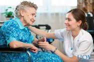Atitudes fundamentais para cuidadores de idosos