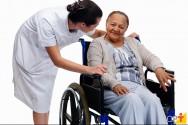 Como evitar o esgotamento de cuidadores de idosos