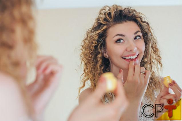 Protetor labial de chocolate: aprenda fazer e comercialize!   Artigos Cursos CPT