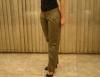 Modelos de calças femininas são moda em qualquer estação