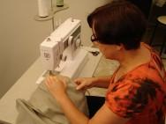 Para exercer a profissão é preciso ter habilidade manual, senso estético e capacidade de concentração.