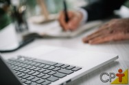 Teclado e mouse para notebook são limpos facilmente