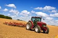 Conheça o benefício dos tratores na agricultura