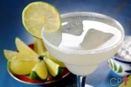 Receitas de drinques refrescantes para o verão