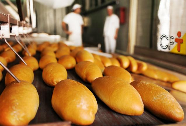 Vou abrir uma padaria. Quantas fornadas de pão francês assar por dia?   Artigos Cursos CPT