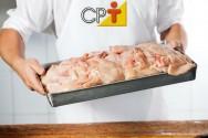 Processamento de carne de frango: paredes e teto da cozinha