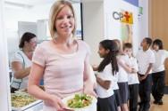 Escola nota 10: Cascas, talos e folhas comestíveis são incorporados à merenda