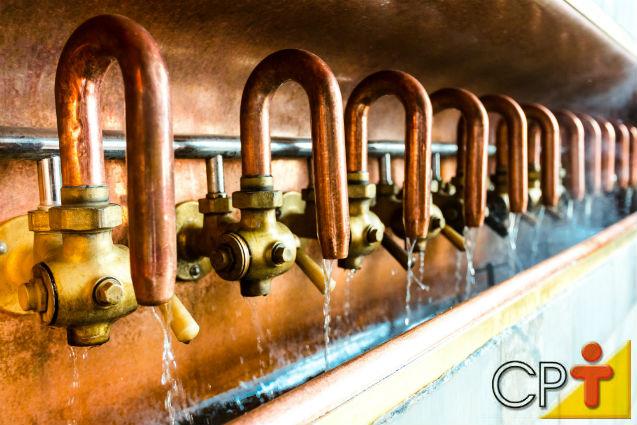 Destilação da cachaça: do caldo de cana à aguardente   Artigos Cursos CPT