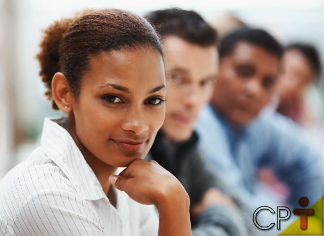 Para mudar sua postura no trabalho, reconheça e entenda seus hábitos   Notícias Cursos CPT