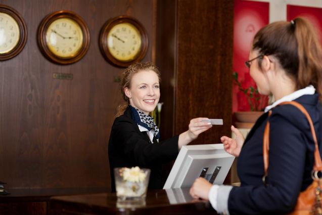 Importância da recepcionista para o hotel