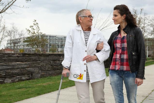 Uma profissão promissora? Cuidador de idosos!   Artigos Cursos CPT