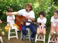 https://cptstatic.s3.amazonaws.com/imagens/enviadas/materias/materia2528/m-musica-educacao-infantil.JPG