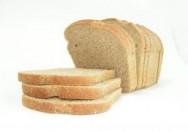 O pão de forma é considerado um alimento que complementa a dose diária de carboidratos, lipídios e proteínas que o organismo necessita.