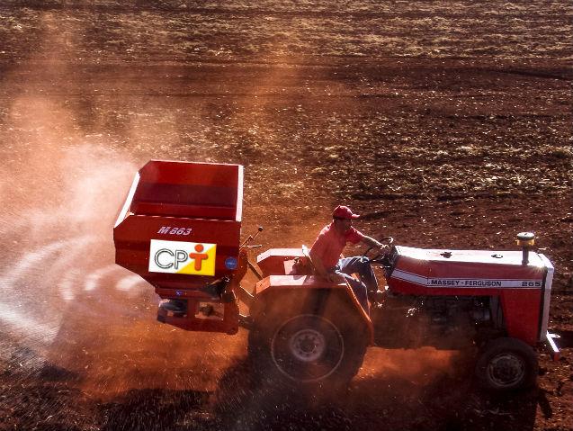 Agricultura competitiva é agricultura mecanizada!   Artigos Cursos CPT