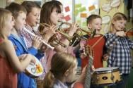 Seus alunos se desentendem muito em sala de aula? Música neles!