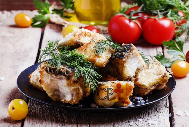 Filé de peixe com manteiga aromatizada: aprenda fazer   Receitas Cursos CPT