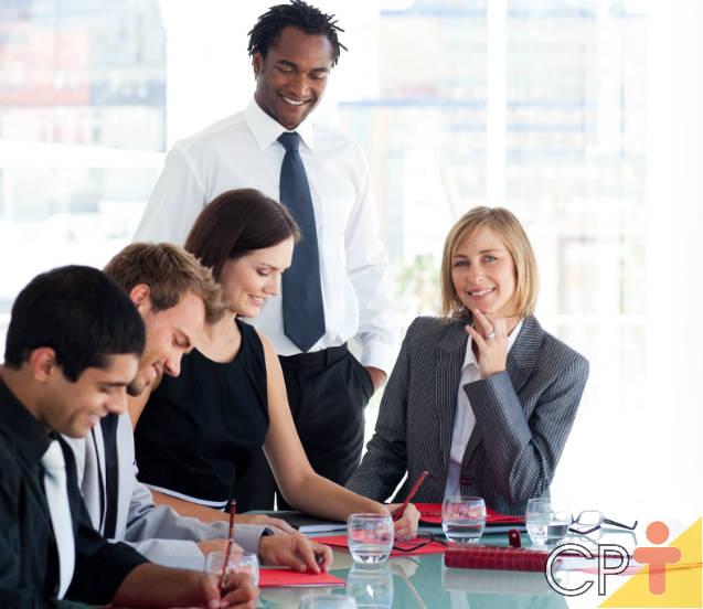 5 atitudes de mulheres bem-sucedidas na carreira