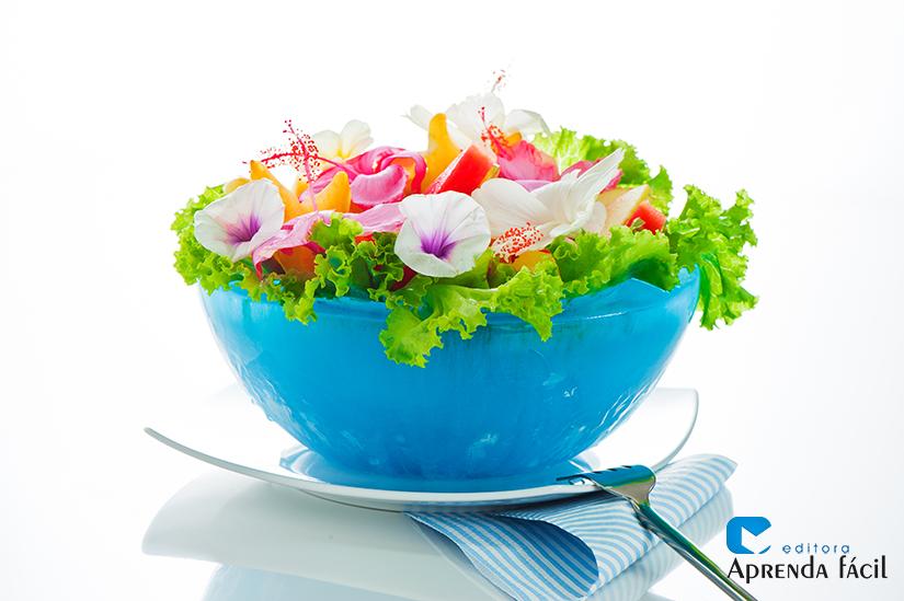 Salada com flores