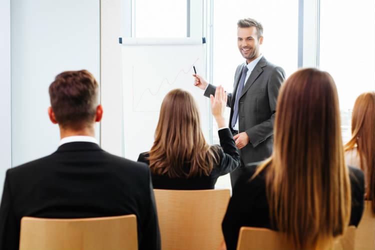 Como montar o melhor programa de treinamento profissional