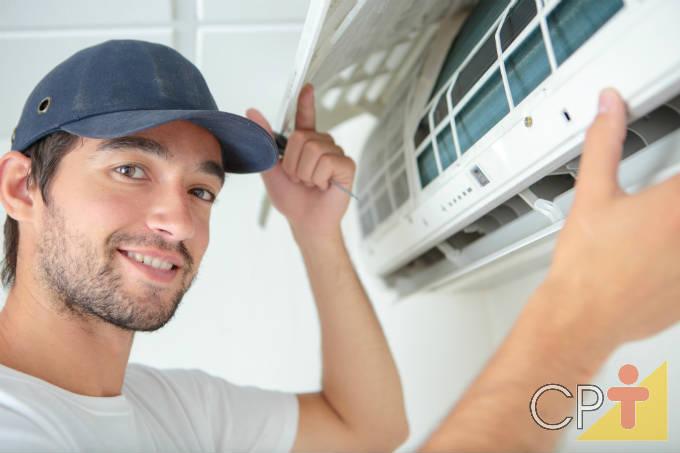 Manutenção e limpeza de ar-condicionado