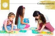 Explique: como as crianças adquirem conhecimento?