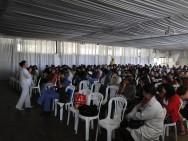 Dr. ª Maria Tereza Campos fala aos colaboradores do CPT sobre doenças sexualmente transmissíveis.
