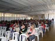 A professora Luciana Moraes ministrou uma palestra sobre primeiros socorros aos colaboradores do CPT.