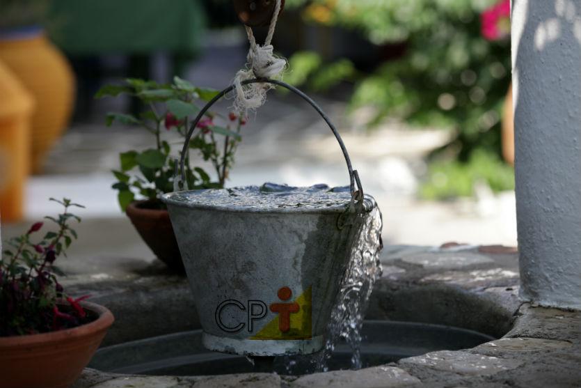 Cisternas, poços freáticos tubulares e poços artesianos: diferenças   Artigos Cursos CPT