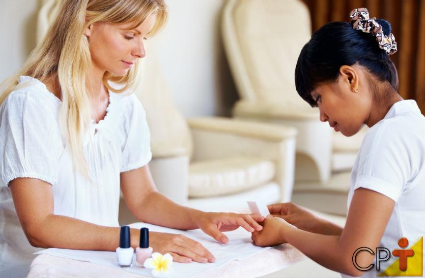 A manicure faz unha. A ótima manicure faz CLIENTES!   Artigos Cursos CPT