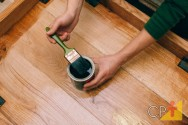 Aprenda como envernizar móveis de madeira