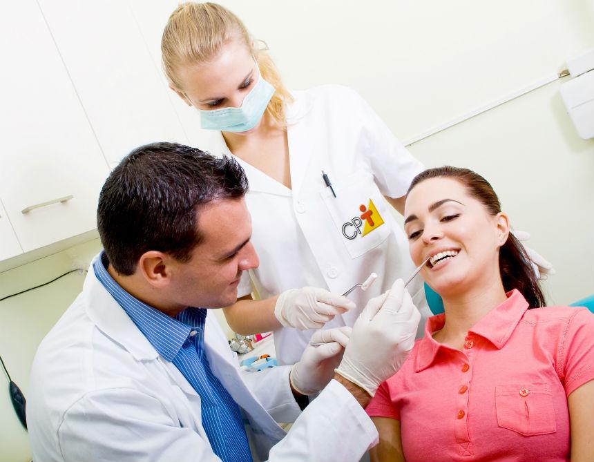 Tem ensino médio e precisa trabalhar? Seja Auxiliar de Consultório Dentário!   Artigos Cursos CPT