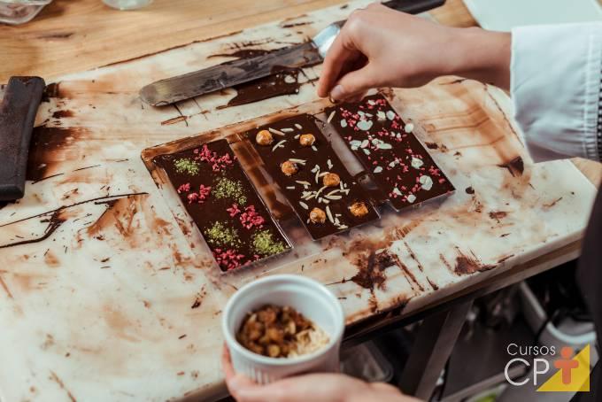 7 etapas da fabricação de chocolate