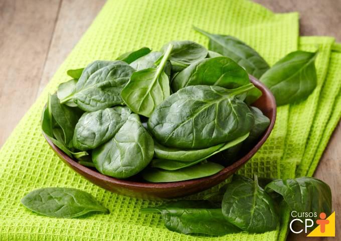 Descubra os benefícios do espinafre para a saúde