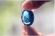 As pedras trazem mais beleza as joias e fazem delas irresistíveis.