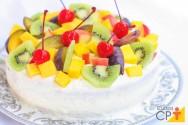 Bolo gelado de frutas: aprenda fazer essa receita