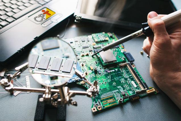 Informática tem tecnologia que também precisa de manutenção   Artigos Cursos CPT