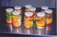 Picles é um tipo de conserva de sabor picante, muito apreciado no início das refeições, como aperitivo e componente de saladas.