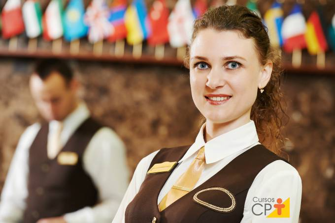 Como se tornar uma recepcionista bem-sucedida na carreira?