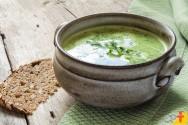As melhores receitas de caldos e sopas para aquecer o seu inverno
