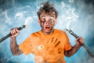 Eletricista? Conheça as causas e as consequências do choque elétrico