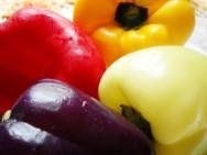 Os pimentões roxo, creme, amarelo, laranja e vermelho, vêm crescendo relativamente no gosto do consumidor.