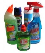 A população brasileira chega a gastar cerca de 30% do orçamento reservado para compras de supermercado com produtos de limpeza.