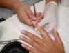 Manicure e pedicure: profissão que garante lucros o ano todo