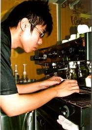 O barista entende desde a produção do café até a melhor forma de prepará-lo.