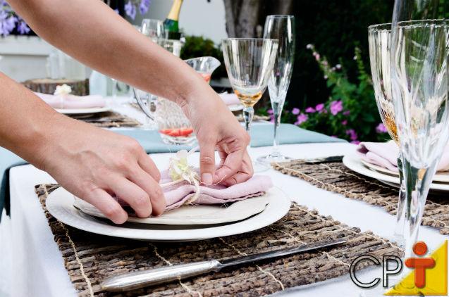 Como arrumar a mesa para os convidados   Dicas Cursos CPT